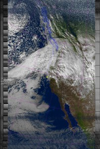 NOAA 19 northbound 79E at 17 Dec 2015 21:55:52 GMT on 137.10MHz, MSA enhancement, Normal projection, Channel A: 2 (near infrared), Channel B: 4 (thermal infrared)