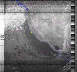 NOAA 18 southbound 70E at 26 Dec 2015 13:57:08 GMT on 137.9125MHz, contrast enhancement, Normal projection, Channel A: 3/3B (mid infrared), Channel B: 4 (thermal infrared)