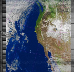 NOAA 19 northbound 79E at 08 Feb 2016 21:59:51 GMT on 137.10MHz, MSA enhancement, Normal projection, Channel A: 2 (near infrared), Channel B: 4 (thermal infrared)