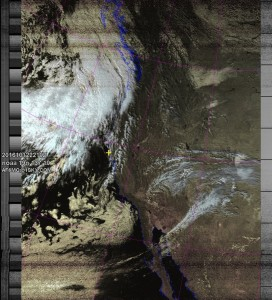NOAA 19 northbound 62E at 12 Oct 2016 22:10:08 GMT on 137.10MHz, HVC-precip enhancement, Normal projection, Channel A: 2 (near infrared), Channel B: 4 (thermal infrared)